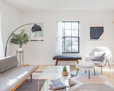 Bullseye! Modern 1 Bedroom - Arlington Heights