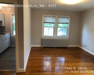 Great Efficiency Apartment in Palisades!