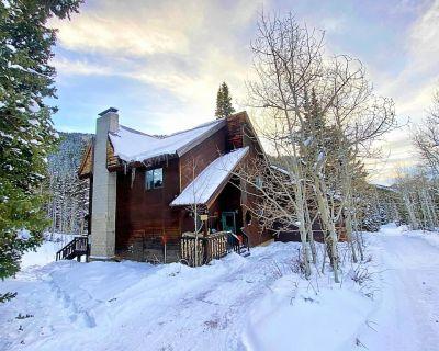 Storm Mountain Escape - Family Cabin with New End-of-Season Prices!! - Salt Lake Mountain Resorts