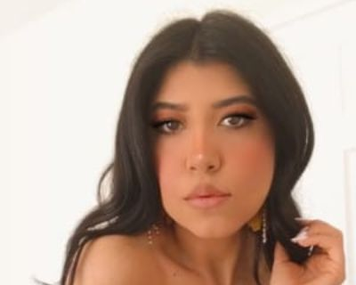 Yessenia, 26 years, Female - Looking in: South Gate Los Angeles County CA