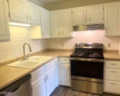 10451 Greenbrier Rd, Minnetonka, MN 55305 1 Bedroom Condo