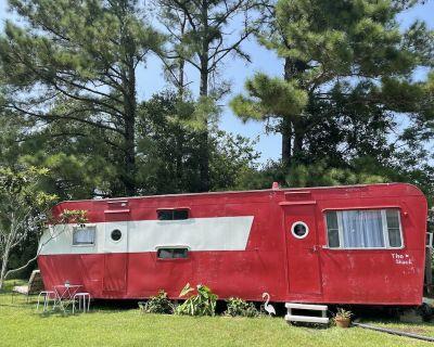 1950 s camper - The shack - Foley