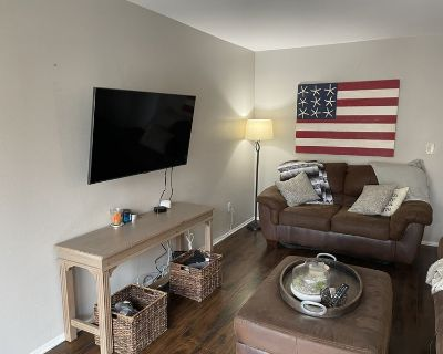 Room for rent 2 blocks from the beach!