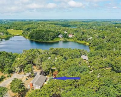 #646: Deeded Rights to Emery Pond, Bike Trails Nearby, Game Room, Office, Deck & Backyard, Fire Pit! - West Chatham