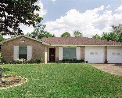9667 Judalon Lane, Houston, TX 77063