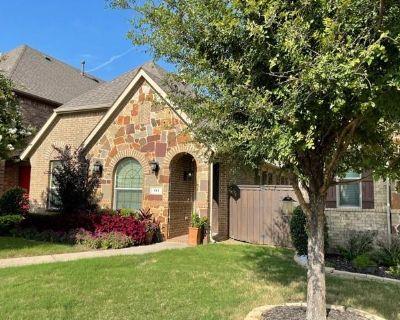 191 Carrington Ln, Lewisville, TX 75067