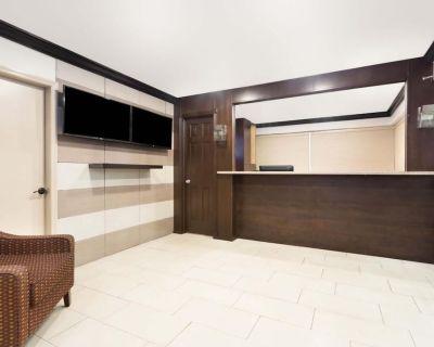 Econo Lodge Inn & Suites - Florida City