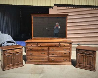 Beautiful Ethan Allen Dresser, Mirror, and Pair Side Tables.
