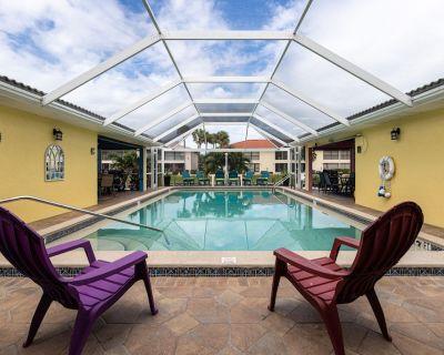 Amazing GULF ACCESS #E 2-bedroom w/ Heated pool and Boat Slip! - Caloosahatchee