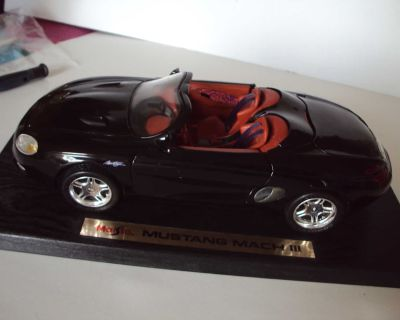 MAISTO - FORD MUSTANG MACH 3