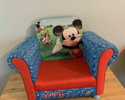 Mickey toddler chair
