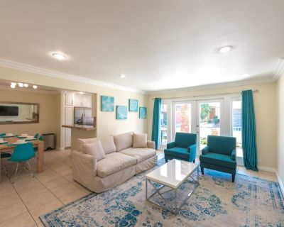 Two Bedroom Two Bath Condo One House From The Sand - Newport Beach