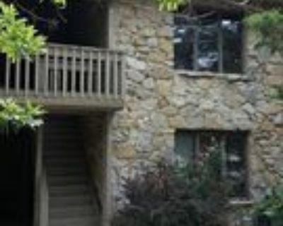 106 E Green Meadows Rd #4, Columbia, MO 65203 2 Bedroom Apartment