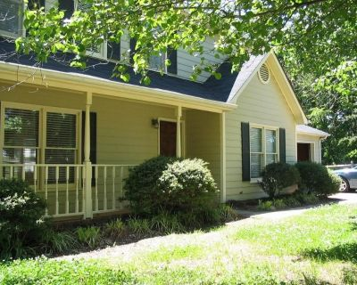 Master bedroom (N.Tryon and I-485/University)