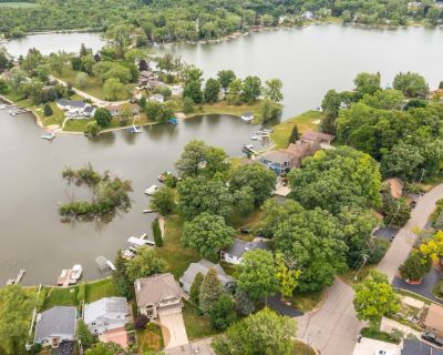 Lakefront Resort Style Home. Pontoon Available - Lake Shangrila