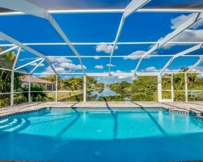 3 bedrooms, 2 bathrooms, newly furnished, newly built large terrace area - Cape Coral