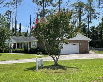 Spacious & Private PET Friendly Waterfront Home Near Downtown Historic Beaufort - Carteret County