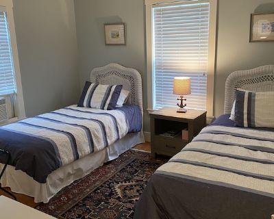 One Bedroom Suite - 2 Twin Beds - Nantucket Town