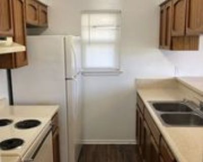 550 Hospital Blvd #16, Floresville, TX 78114 2 Bedroom Apartment