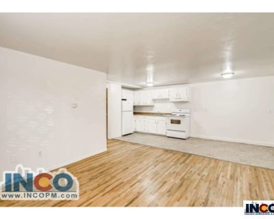Nice Price! Great Location! 1 bed 1 bath in Littleton!