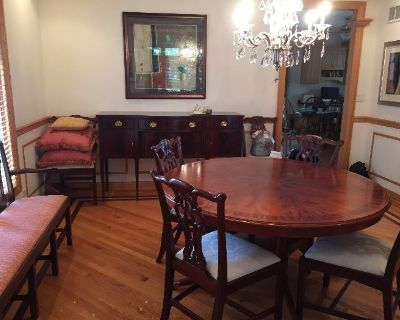 Merchant Traders Chicago (near Park Ridge), with Clean Furniture, Model Trains, Home Gym, and More!