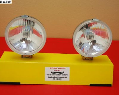 """Vintage Look 5.5"""" Driving Lights w/ Covers"""