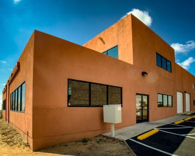 Rio Rancho Full Service Office Space