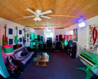 The Lagoon Music Studio and Art Space, Los Angeles, CA