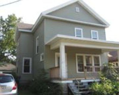 415 W Irving Ave #1, Oshkosh, WI 54901 4 Bedroom Apartment