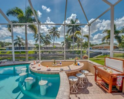 SWIM UP TO THE BAR! Integrated spa, Outdoor grill, Fire pit! - Trafalgar