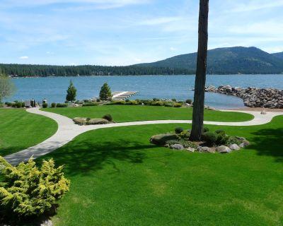 Beautiful Lake Almanor Villa, Lake View, BOAT SLIP 4 BR / 3 Ba wireless Internet - Peninsula Village