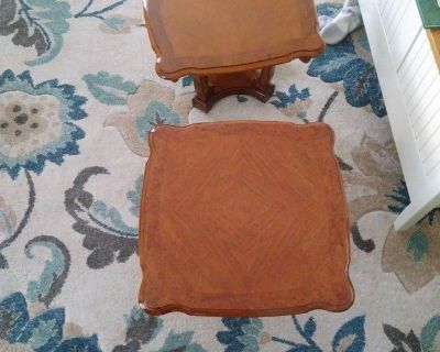 Two matching end tables/ no scratches