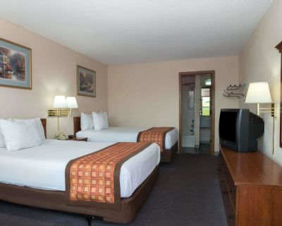 Days Inn by Wyndham Indianapolis East Post Road - Indianapolis