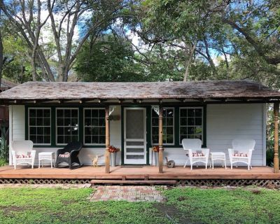 CLEAN CABIN on Guadalupe River New Braunfels close to Austin & San Antonio - New Braunfels