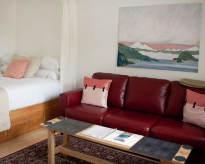 Studio Apartment in Eastsound, the Heart of Orcas Island - Eastsound