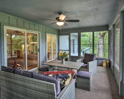 NEW! Casa Azul on Golf Course: High-End Interior - Hot Springs Village