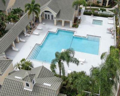 Private room with own bathroom - Villas , FL 33907