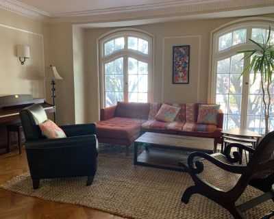 Best location! Spacious European-style 4BR House with Parking and Yard - Mission Dolores