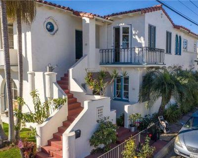 New Charming Beach Getaway/W/Front Lawn/2BRDuplex-LOWER UNIT/2nd Street&Beach - Belmont Shore