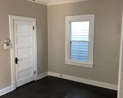 $600 per month room to rent in Parkway Village available from September 12, 2021