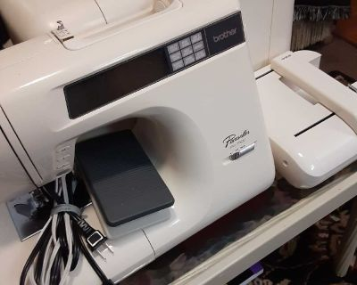 Brother Embroidery Sewing Machine.Pacesetter PC7500. Memory Card Slot,Case,Manual. Excellent condition.