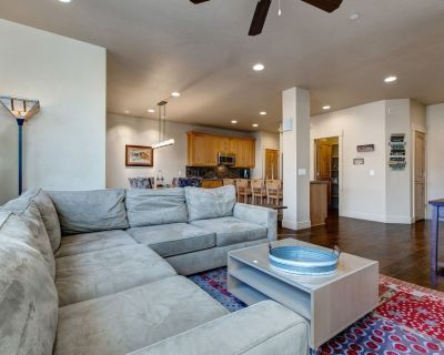 Private Hottub and Pool Access at Quiet and Spacious Ski Home. Sleeps 10 #13278 - Heber City