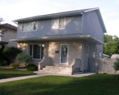 832 Ash Street, Winnipeg, MB R3N 0R8 4 Bedroom Apartment