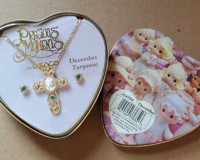 Precious Moments December turquoise necklace and earrings set