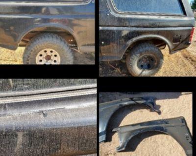 Bronco fiberglass front fenders and bedsides