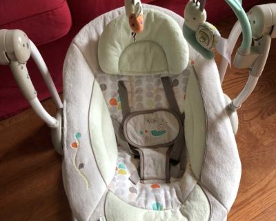 ingenuity baby swing/ baby bouncers/baby seat