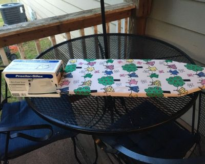 Iron and tabletop ironing board