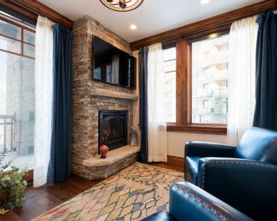 Winter Rates Reduced! Lovely Ski Condo, Silver Strike #201, with amenity access - Empire Pass