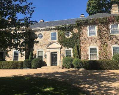 Magnificent Manor with stunning views on 150 acres. - Marshall