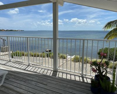 Sunset Hideaway Ocean Front Home - Cutthroat Harbor Estates